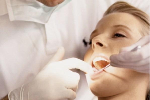 Больно ли сверлить зубы: безболезненное лечение зубов