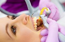 Лечение корней зуба помогает их спасти