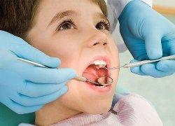Лечение молочного зуба необходимо проводить своевременно