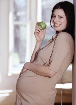 Зубы во время беременности – почему их необходимо лечить